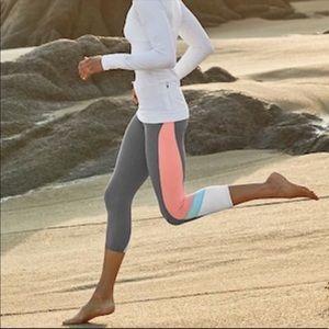 Athleta Colorblock Sonar Capri - BNWT!!